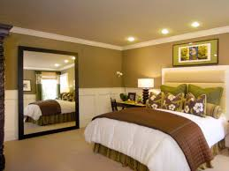 Large Mirror In Bedroom Bedroom Use Oversized Mirror To Complement Bedroom Style