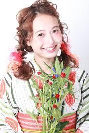 浴衣を彩るヘアアレンジでミディアムヘアを華やかに浴衣美人になれる
