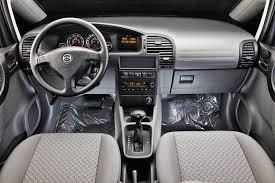 Comparativo de gerações: Chevrolet Zafira x Chevrolet Spin ...