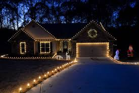 How To Fasten Christmas Lights To House Outdoor Christmas Decorating Ideas Roof Christmas Lights