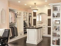 walk in closet design. 10 Stylish Walk-In Bedroom Closets Walk In Closet Design E