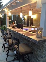 Outdoor Kitchen With Bar Design
