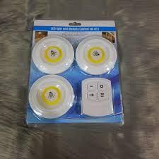 Xả kho] Bộ 3 đèn led cảm ứng mini thông minh dán tường kèm điều khiển có  hẹn giờ giá cạnh tranh