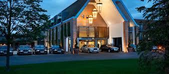 hilton london syon park uk hotel exterior by night