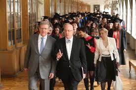 Алексей Кудрин Официальный сайт Вручение дипломов выпускникам  В 2014 году Факультет выпустил в самостоятельную жизнь более ста юношей и девушек из них 59 получили степень бакалавров и 47 магистров