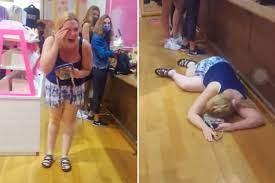 Victoria's Secret Karen' Has Screaming ...