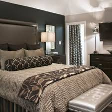 Image Pinterest This Is An Example Of Medium Sized Traditional Guest Bedroom In Los Angeles With Black Houzz Black And Grey Bedroom Ideas And Photos Houzz