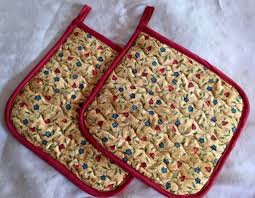 How to Make Quilted Potholders: To Fit the Larger than Average ... & handmade quilted potholders Adamdwight.com