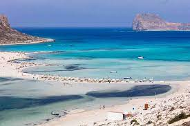 best holiday destinations in april cn