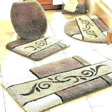 burdy bath rugs ultra plush bath rug cau burdy oom rugs small winsome burdy and gold