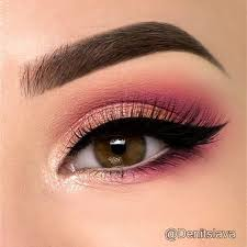 wearing makeup with pink eye photo 1