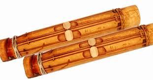 Alat musik gesek adalah alat musik yang cara memainkannya dengan cara digesek pada dawainya menggunakan busur, berikut penjelasan dan seperti yang dijelaskan sebelumnya bahwa terdapat alat musik gesek tradisional, siapa sangka ada alat musik tradisional yang hingga saat ini masih. 18 Alat Musik Tradisional Yang Dipetik Penjelasan Lengkap