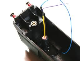 smoke generators normally have just 2 wires which can be connected to your decoder it doesn t matter which way around you connect them although youchoos