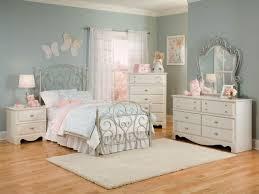 Metal Bedroom Furniture Set Furniture Spring Rose Metal Bedroom 4pc Set In White Pearlescent 50250