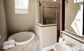 Compact soaking tub