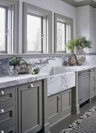 here the counters have been doubled to create an extra thick countertop the standard thickness of marble is 1 1 4 so these counters have been made at 2