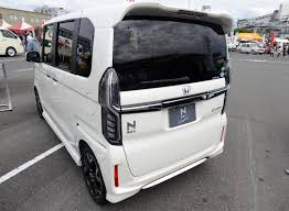 File:Honda N-BOX Custom G・L Honda SENSING (DBA-JF3) rear.jpg ...