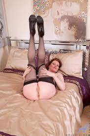 Top latina porn Classy cougar Holly Kiss slips off her panties.