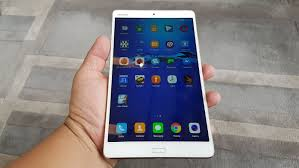 huawei 8 inch tablet. the slim bezels make it a comfortable grip, almost same size as an 8-inch tablet despite 8.4-inch display huawei 8 inch