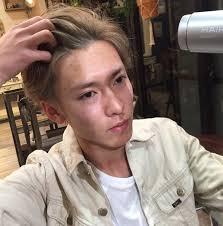 メンズ必見最近流行り始めているヘアアレンジはアップバング