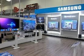 sony tv best buy. in addition to the stores within stores, best buy has devoted space samsung tvs sony tv