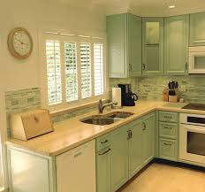 what kind of backsplash goes with wood counter tops
