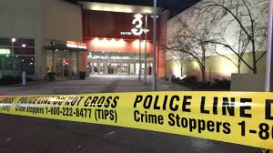 Lighting Vaughan Mills 3 Boys Charged After Teen Stabbed At Vaughan Mills Mall
