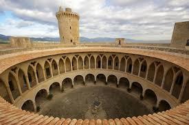 Los castillos más bonitos  Images?q=tbn:ANd9GcTKoP-A8jCEdAPXvkjajYg8yb6jLTKAaF_uzXrLEadk_VBI_Ump-g