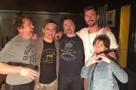 актеры из мстителей сделали одинаковые тату рамблеркино