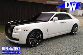 rolls royce phantom white with black rims. rolls royce ghost for ed davis customized by dreamworks motorsports features 3m matte white wrap and custom painted hood accents in gloss black phantom with rims n