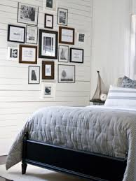 10 ways to display bedroom frames inexpensive bedroom frame ideas