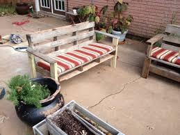diy oudoor pallet bench with a back via rkblack com