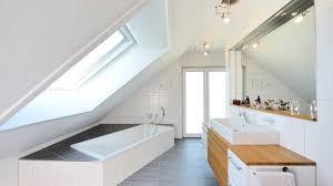 Bodentiefe Fenster Badezimmer