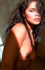 Singer Vanity Nude