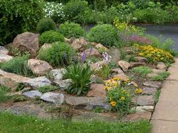 Fabulous Front Yard Rock Garden Ideas (57