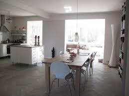 Esstisch Aus Holz In Der Wohnküche Wohnküche Küche
