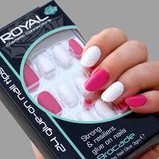 Royal Umělé Nalepovací Nehty Bílo červené Glue Nail Tips Brocade 24ks S 3g Lepidlem