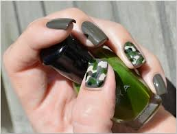The Polished Perfectionist: Camouflage Nail Art