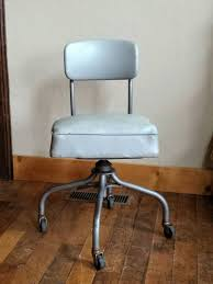 industrial office chair. Vintage Industrial Desk Chair Made By Steelcase In The 1950s. This Office Has S