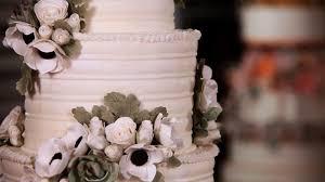 Sugar Paste Cake Decorating How To Arrange Sugar Flowers On Cakes Sugar Flowers Youtube