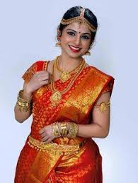 green trends is the best beauty parlour in thanjavur and doing best bridal makeup hair styles for uni