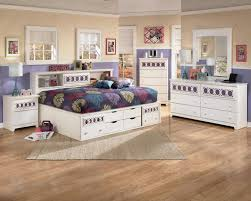 Marlo Furniture Bedroom Sets Signature Design By Ashley Zoey Dresser Rotmans Dresser