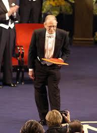 Vernon L. Smith - Photo gallery - NobelPrize.org