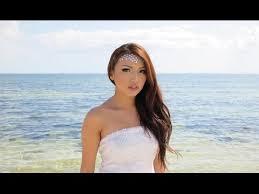 effortless beach makeup hair