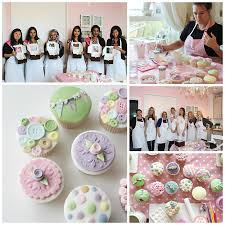 Parties Lady Berry Cupcakes