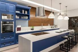 Você pode pintar uma parede, revestir o sofá ou poltrona, colorir um mobiliário, trocar as capas das almofadas, inserir objetos como quadros ou vasos com esta tonalidade de cor. 30 Cozinhas Decoradas Para Quem E Apaixonado Por Azul