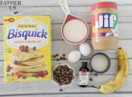 Our homemade recipe below is perfect for coating the bananas and comes out super fluffy. Peanut Butter Banana Pancakes With Chocolate Chips