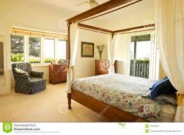 Camera da letto rurale foto stock - Iscriviti Gratis