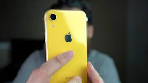 iPhone XR YELLOW Unboxing & Impressions - YouTube