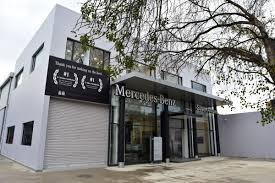 Exclusive reports and current films: Mercedes Benz Opens Two Service Facilities In Delhi